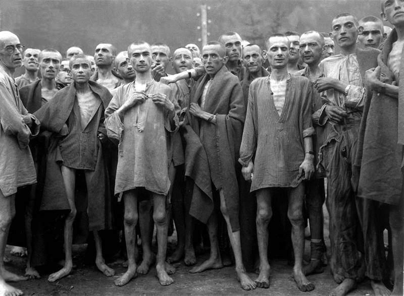 Evrei în lagăr