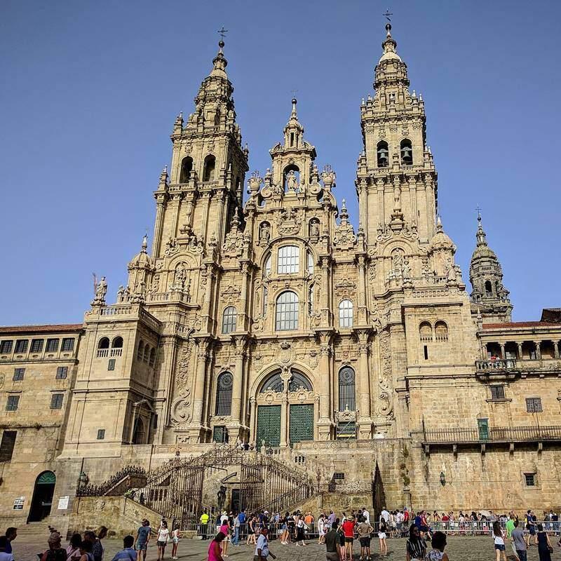 Fernando de Casas Novoa – Turnurile Catedralei din Santiago de Compostela